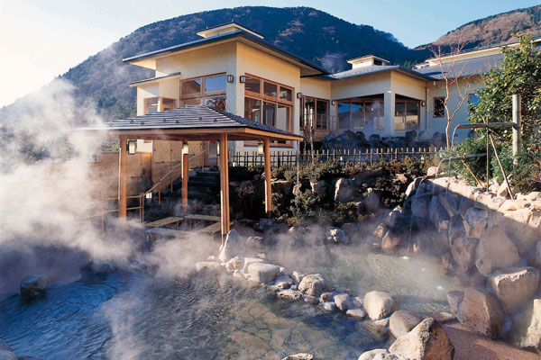 yunessun-spa-resort-in-hakone-japan-0
